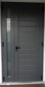 puerta dos antas negra